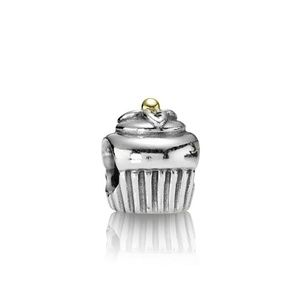 Pandora cupcake charm silver with gold 790417